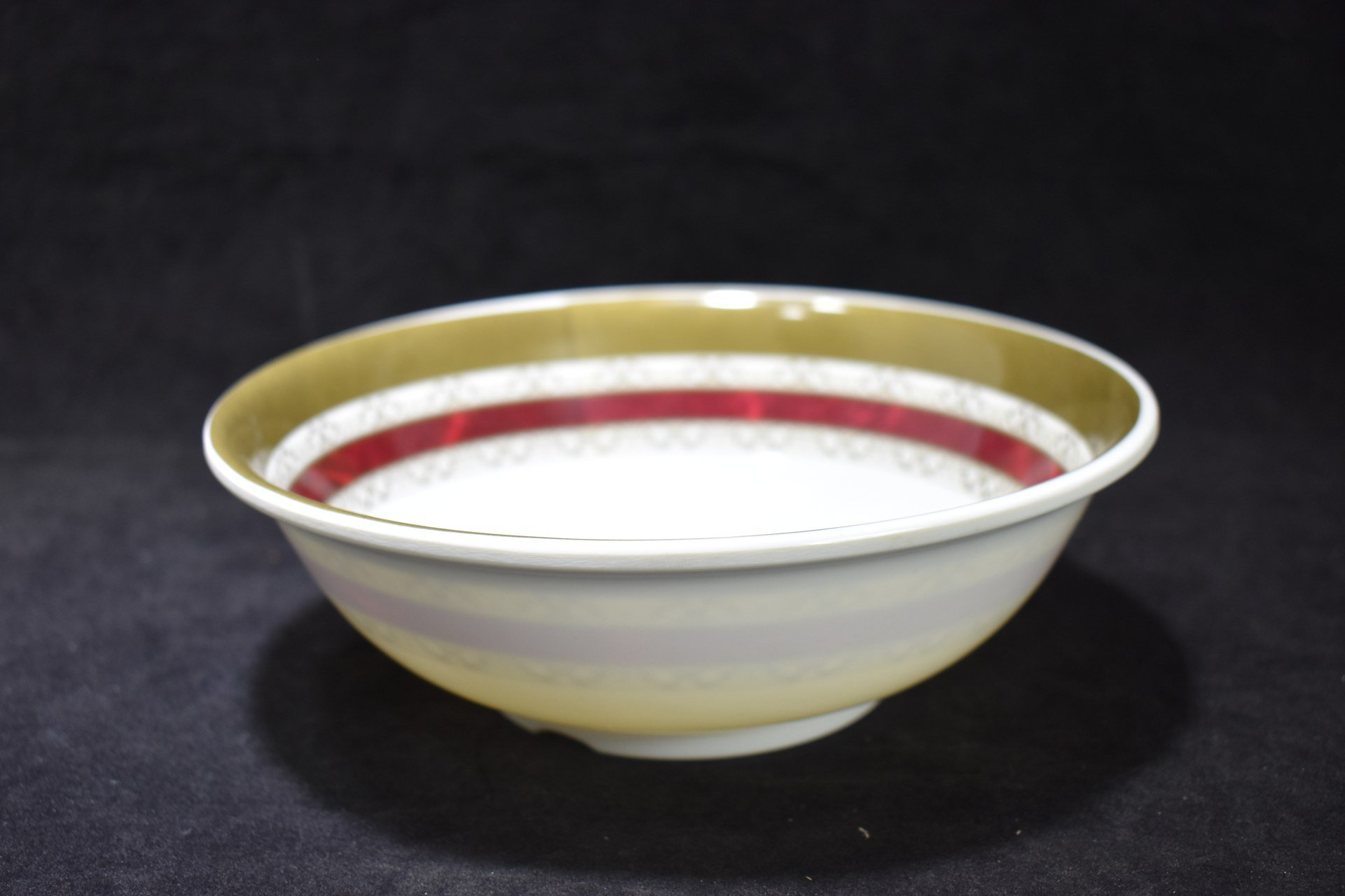 8 inch Shallow Bowl Maroon Flower