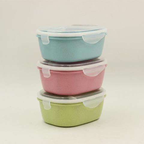 Plastic Lunch Box 18*14 cm (Spoon included!!!)